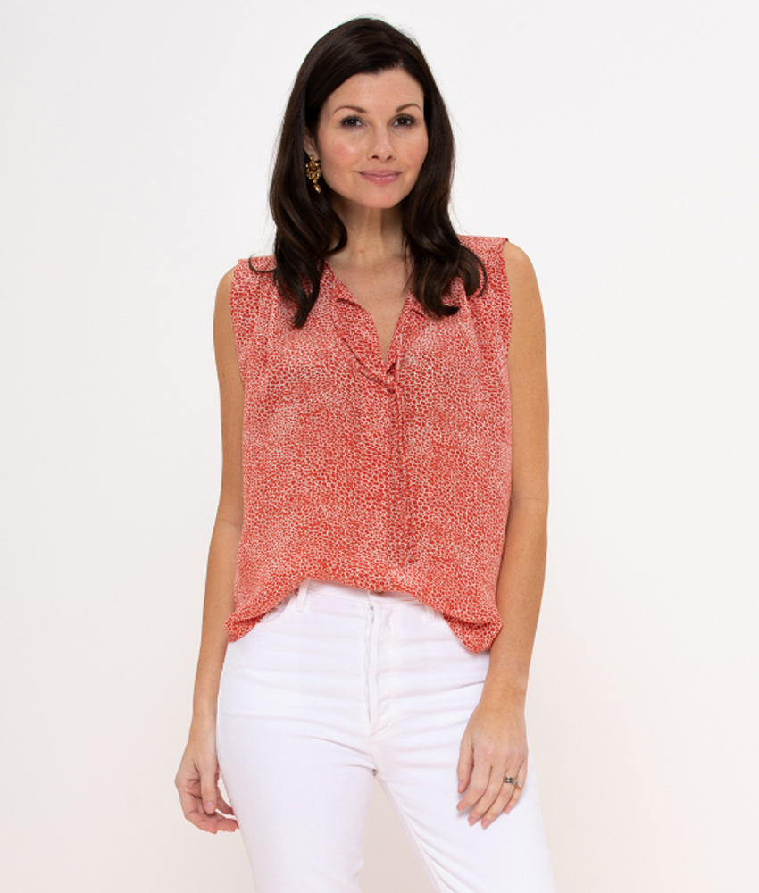 This versatile blouse is the perfect accent to your already stylish wardrobe. Tuck it in with a blazer and high waisted pants for your next board meeting, or dress down for a casual date night.