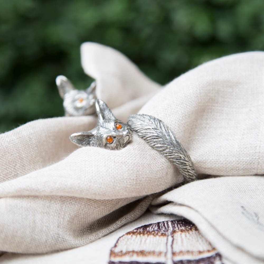 This beautiful Pewter Fox Napkin Ring features a delicately detailed figural fox face embellished with big, bronze eyes.