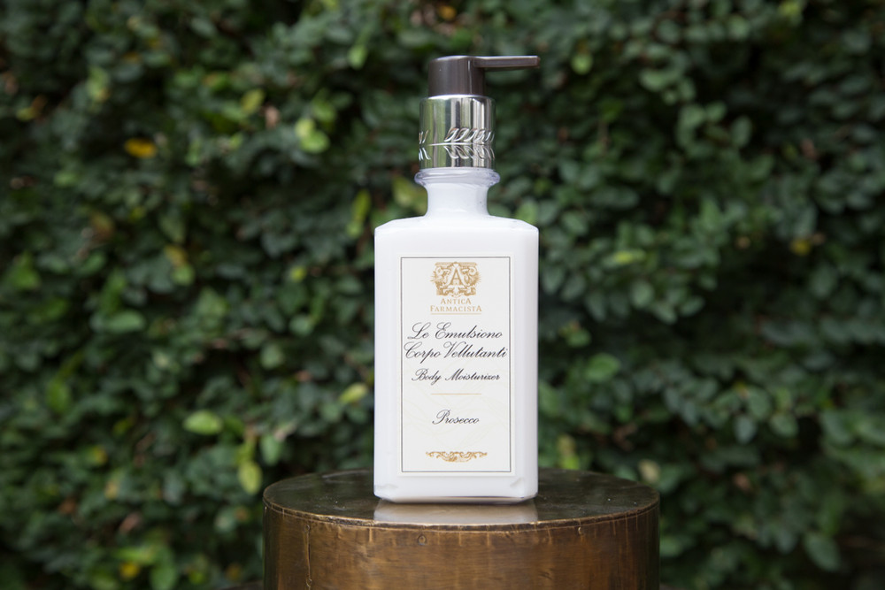 """The perfect pair to the Antica Farmacista's Hand and Body Wash, this dynamic duo is what you need every time you wash your hands. The Hand and Body Wash gently cleans your hands while the moisturizes replenishes and restores, all while offering the top selling scent from Antica Farmacista.   10 oz. 