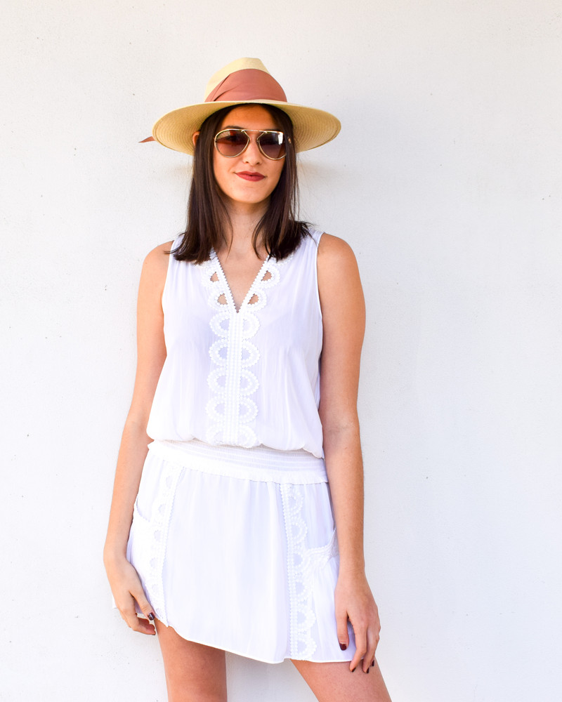A modern fedora that will protect you from the sun and make you look fabulous. This natural straw hat is perfectly accented with the wide band around and finished with a modern angular fold. It boasts UPF 50, to keep you protected and is hand-woven from Paja Toquilla straw in Ecuador. Easy to wear, this will be your new favorite accessory.