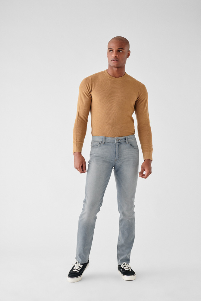 Latent   DL1961 is known for their comfort and supreme quality. The Nick Slim Jean is no different, made of only the highest quality fabrics these will be your favorite jeans you'll never want to take off. A true slim fit with a leg that is lean through the thigh and tapered toward the ankle.