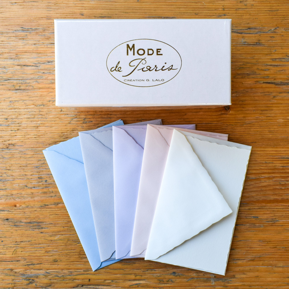 Ideal for thank-you notes, letters, or everyday correspondence, Mode de Paris brings quality, thoughtfulness, and elegance to match your words.  Each box contains 30 deckle-edge cards and 30 lined envelopes packaged neatly in an Art Deco inspired gift box.