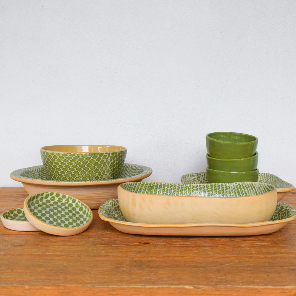 The Medium Dip Bowl is the perfect accent to your patterned Terrafirma collection. Stack it on top or serve alongside, it can easily hold your dip, nuts, crackers or even use for a personal cereal bowl!