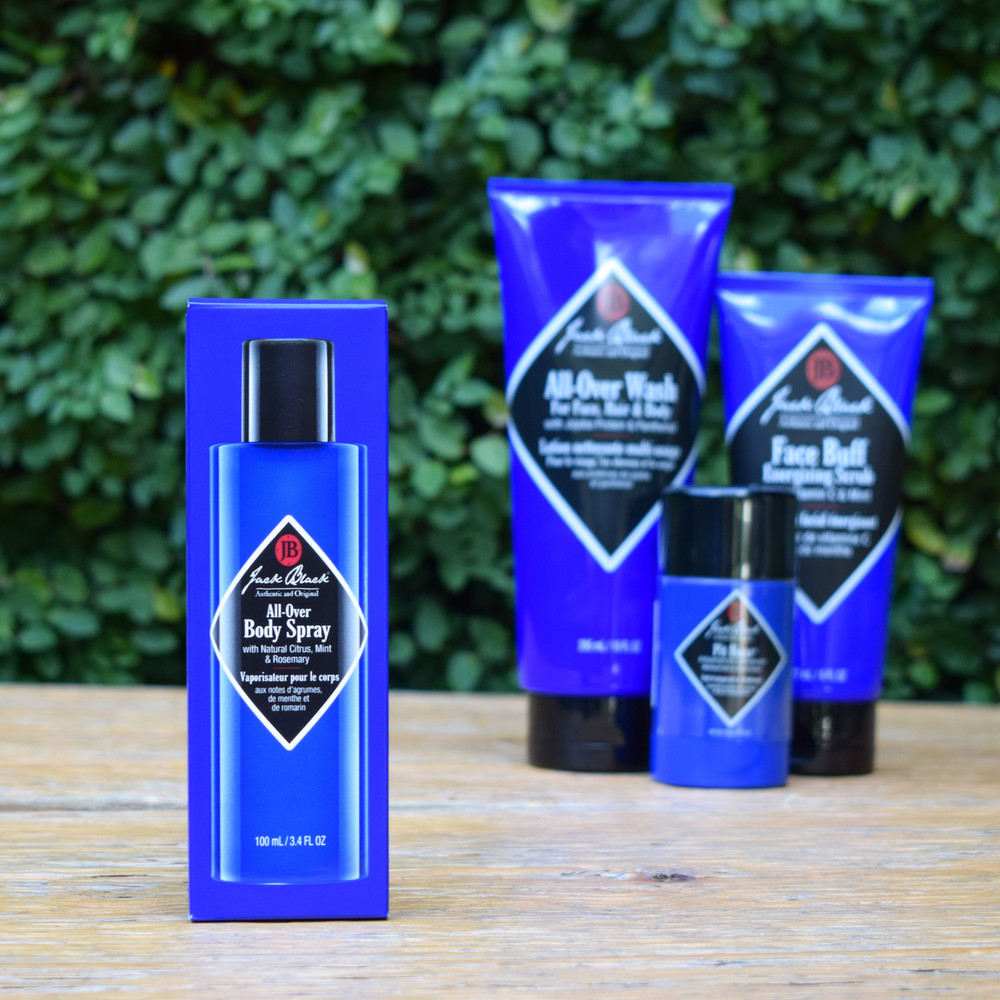Jack Black's favorite scent of their All-Over-Wash has made it's way to a lightweight, refreshing fragrance! Combining notes of Mint and Rosemary this cool and invigorating scent is perfect for a daily fragrance.