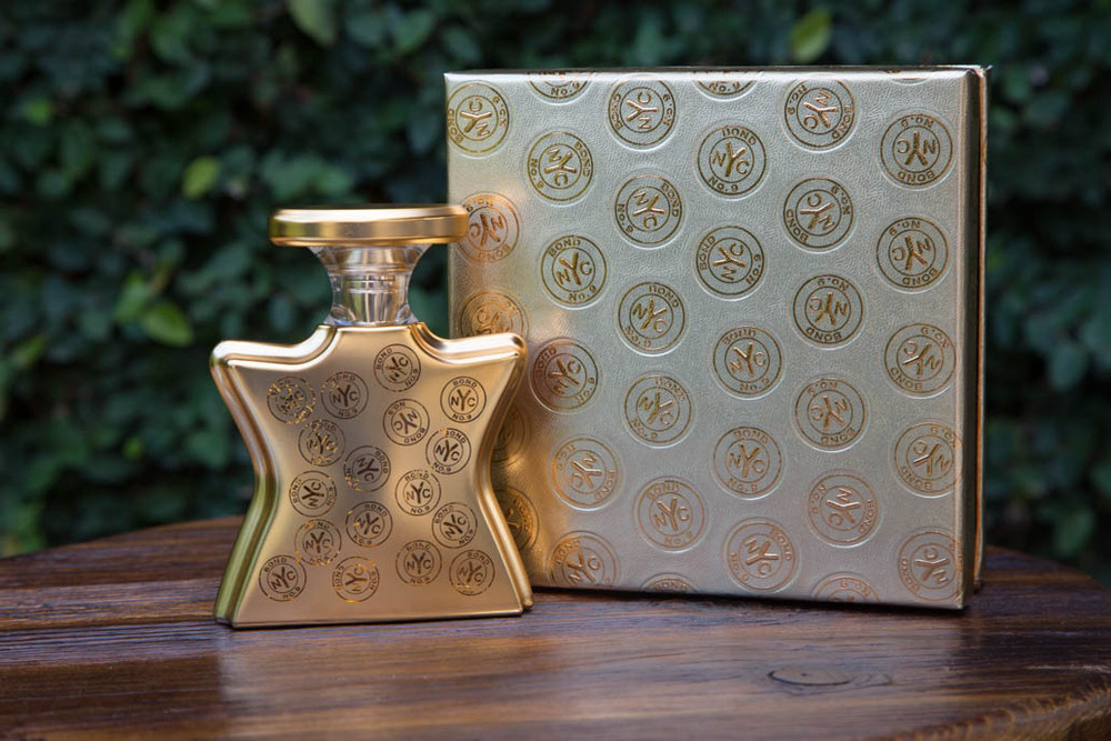 At last -- a New York oud. The Arabian Nights come to NoHo. So seductive and frankly erotic, we've named it for ourselves. As a 30 percent concentration, thereby moving it into a category that's rare today: pure perfume. Notes of Oud Extract, Rose, Tonka Beans and Musk. 50ml.