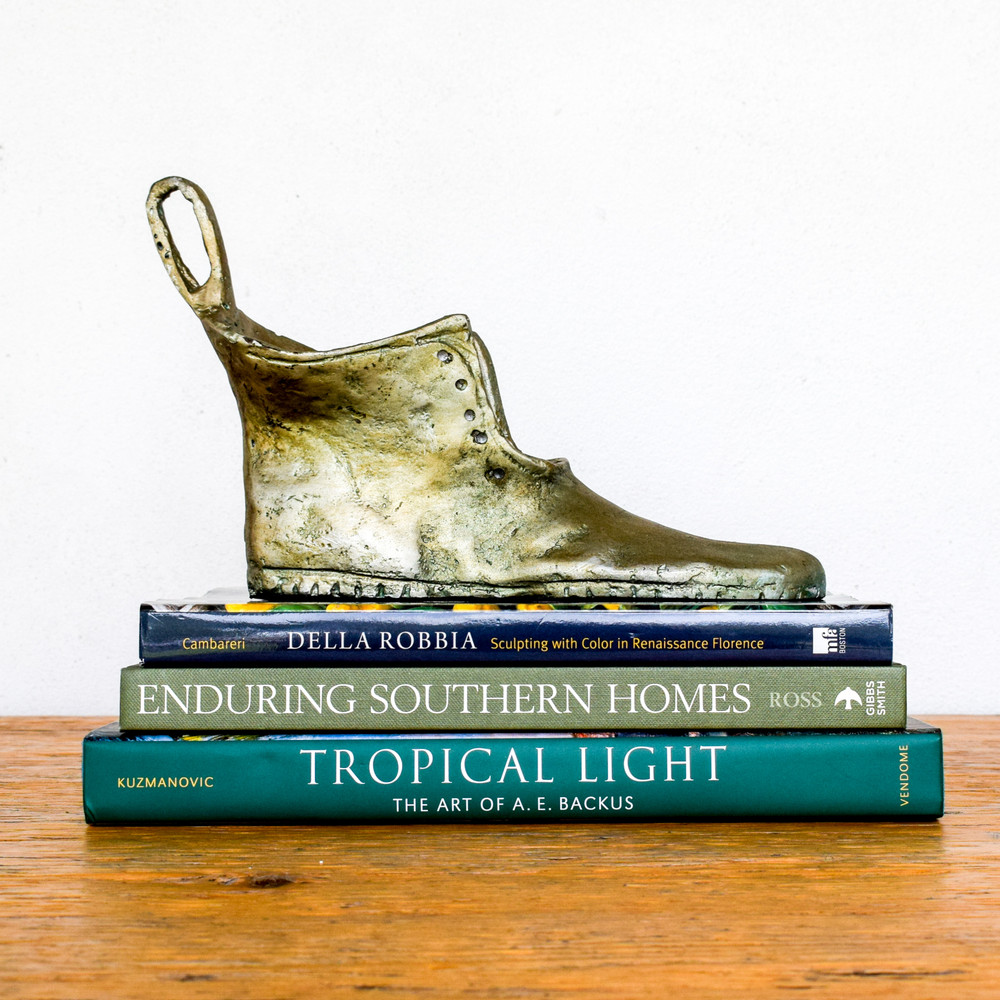 Tropical Light : The History of A.E. Backus