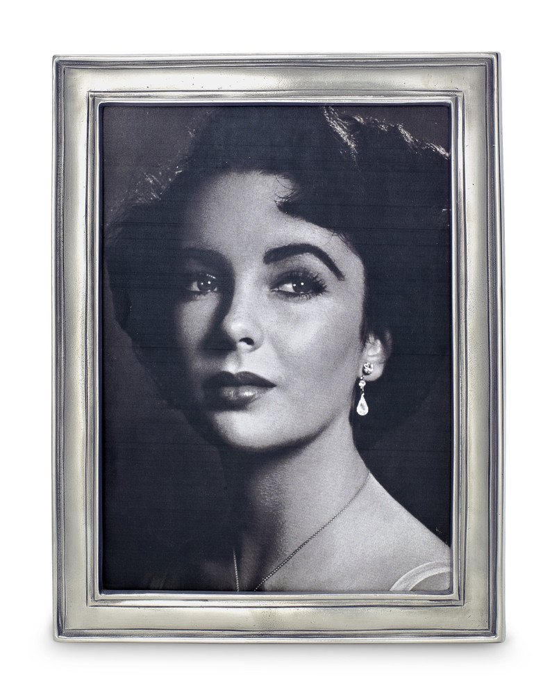 Hand-crafted in Italy and containing 95% tin, Match produces a line of modern heirlooms that are sure to be enjoyed for generations. These frames are no different and can easily dress up your bookshelf!