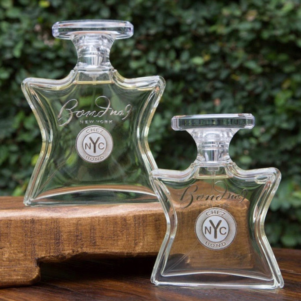 A fragrance named after a street that's home turf for New York's wealthiest merchants and entrepreneurs. It's cool and strong with invigorating citrus and violet essence warmed up with a lingering base of smooth, seductive sandalwood.