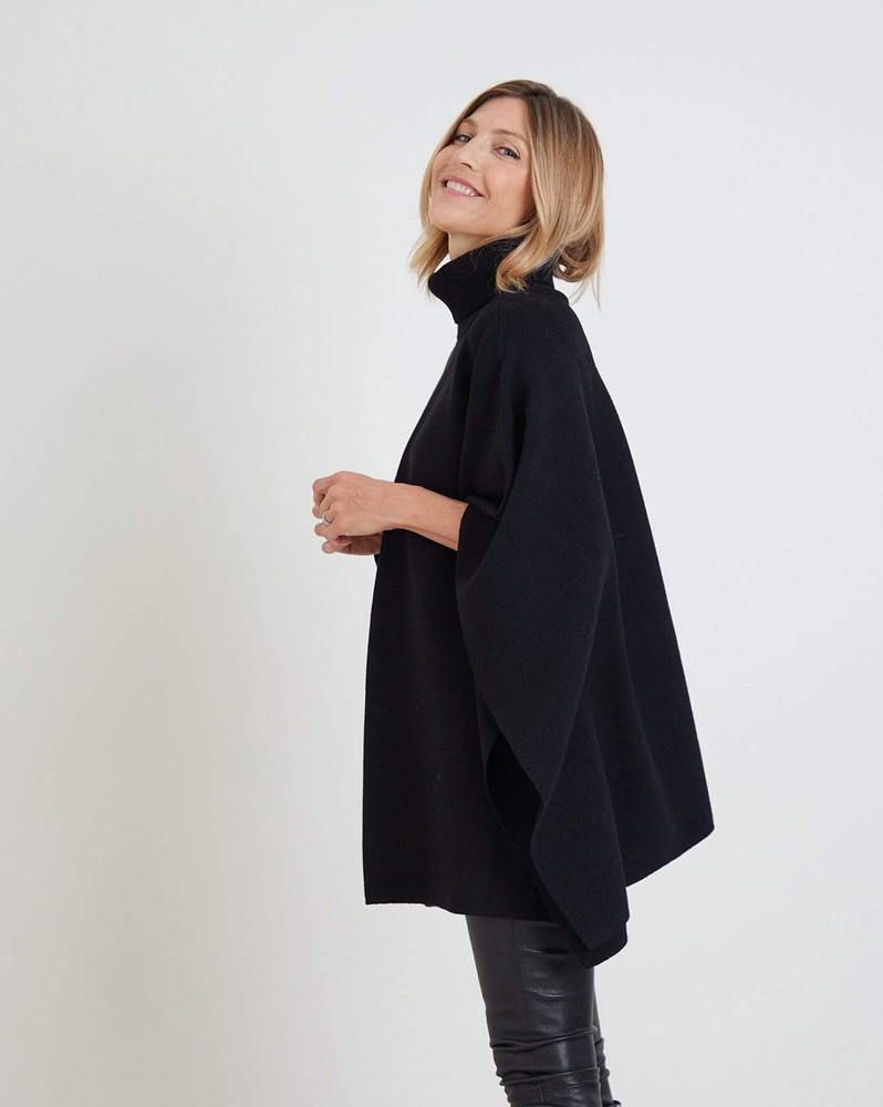 The Anywhere Poncho - Black
