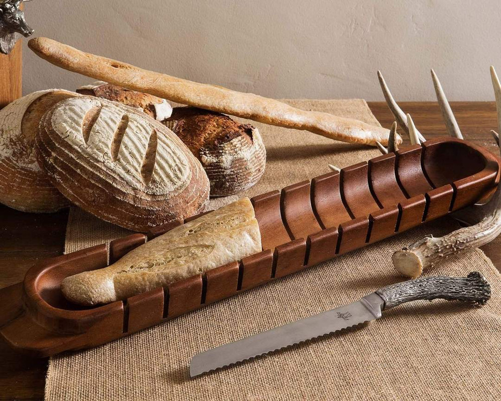 Baguette Board w. Pewter Antler Knife