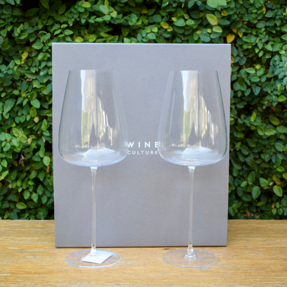 A contemporary shape these glass can take you from a formal party to your every day cocktail. The Fine rims and tall, hand-draw stems epitomize exceptional craftsmanship, packaged in a gift box as a set of two and great as a gift for someone else or yourself!