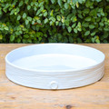 Been dreaming of a dish to bake in and it's attractive enough to serve in? Look no further! This white ceramic tray is the perfect piece, take it rom the fridge, to the oven, to the table and right into the dishwasher! You could easily bake a cake, serve a cheese plate or reheat your hors d'oeuvres in this versatile tray!