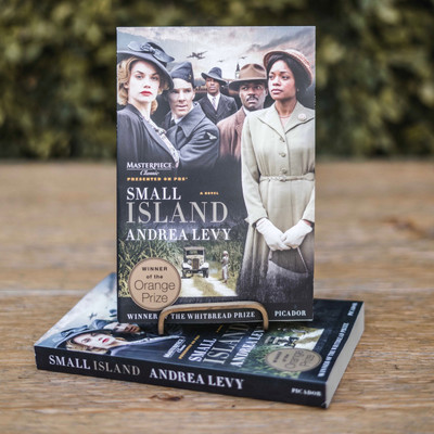 Hortense Joseph arrives in London from Jamaica in 1948 with her life in her suitcase, her heart broken, her resolve intact. Her husband, Gilbert Joseph, returns from the war expecting to be received as a hero, but finds his status as a black man in Britain to be second class. His white landlady, Queenie, raised as a farmer's daughter, befriends Gilbert, and later Hortense, with innocence and courage, until the unexpected arrival of her husband, Bernard, who returns from combat with issues of his own to resolve.   Told in these four voices, Small Island is a courageous novel of tender emotion and sparkling wit, of crossings taken and passages lost, of shattering compassion and of reckless optimism in the face of insurmountable barriers---in short, an encapsulation of the immigrant's life.