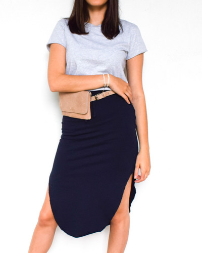 The easiest skirt to add to your closet! This luxuriously soft triple fleece skirt hugs your body in all the right places, creating an effortless style with maximum comfort.