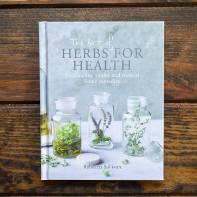 Herbal medicine has been used for centuries, and in this thoughtful and inspiring guide, Rebecca Sullivan shares a combination of traditional wisdom and modern ideas for anyone who wants to improve their health with herbs. The Treatment section includes Ginger and Pepperment Travel Sickness Pastilles and Herby Chest Rub, while the Drinks & Tonics chapter offers Sage and Lavender Kefir and Tarragon Tincture. There is also a selection of foods using herbs for health, including Herby Ice Lollies and Lemon Balm Bliss Balls. The book is also full of Rebecca's brilliant tips and advice - from soaking your feet in cool black tea to fix smelly feet to making ginger-infused ice cubes to combat nausea.With a detailed herb glossary and plenty of information about essential oils, this is an essential volume for every would-be modern apothecary.