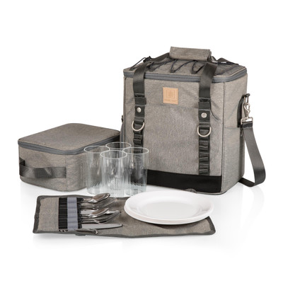 While most coolers just….ya know, 'cool' – this sleek two-tiered shoulder cooler comes with a full cutlery and meal set for four. Serve your meal comfortably with the removable, heat-sealed cooler and carry your water/beverage easily in a side storage pocket. Sling the whole thing comfortably over your shoulder when your done, and be proud of your awesome cooler.