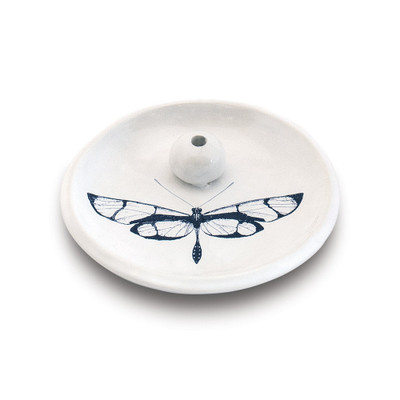A burning dish as beautiful as it is useful. This ceramic dish, handmade in Connecticut, easily holds up to 3 incense sticks and pairs perfectly with the Skeem Citronella Incense to keep the pesky flies away while you're enjoying your outdoor space.