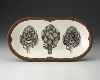 The Rectangular Serving Dish is the perfect piece to serve or favorite dishes or decorate your counter. Adorned with Laura's exquisite drawings of artichokes to create a beautiful piece for your home.