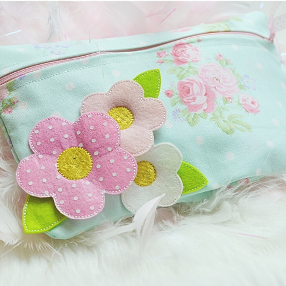 ITH 3D Flower Lined Zipper Pouch Machine Embroidery Design