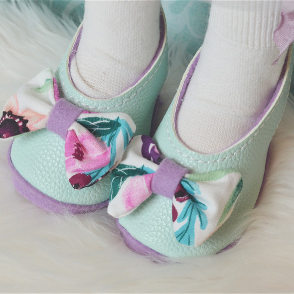 In the Hoop Doll Shoes Set 1 For Holly Doll