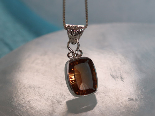 """Faceted Alexandrite with Sterling Silver and 24"""" Chain"""