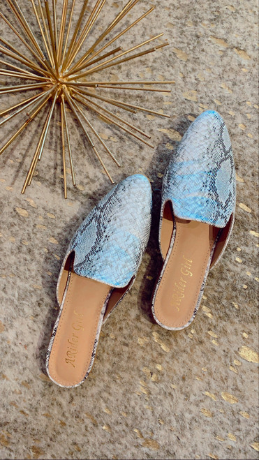 POINTY BACKLESS SLIP ON MULES