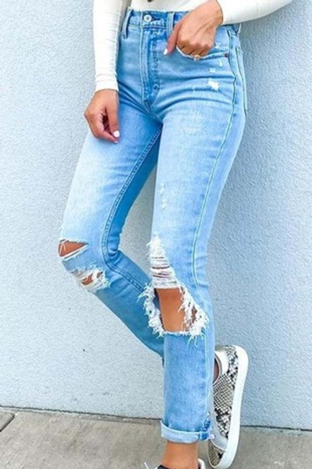 LIGHT WASHED SKINNIES