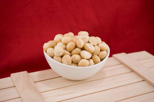 Raw Whole Macadamias