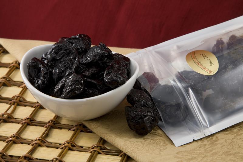 Plums (Prunes)