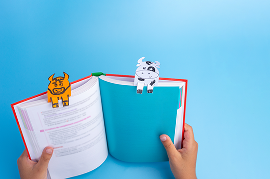 The Benefits of Printing Custom Bookmarks