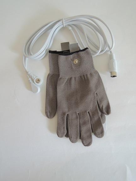 gloves-002.jpg
