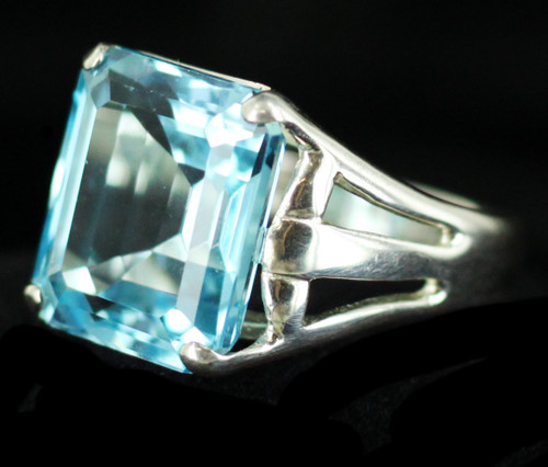 Vintage Stunning Bright Sterling Silver 12ct Paraibas Color Blue Topaz Ring CNA
