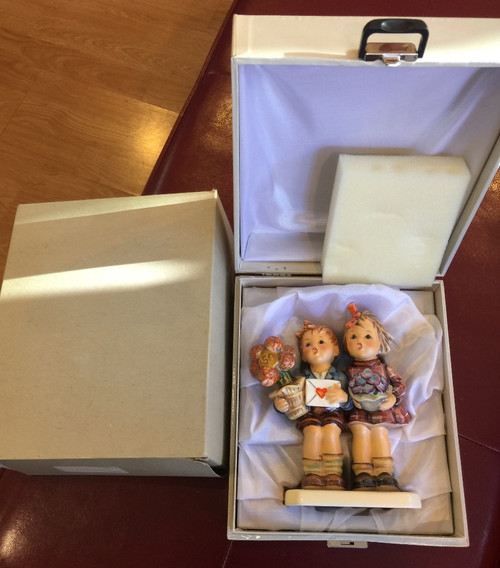 "Hummel 50 yr. Jubilee Limited Edition TMK6 ""The Love Lives On""  #416  Boxes 6.5"""