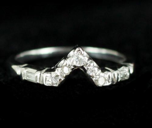 Antique Art Deco Platinum VVS2 Baguette Diamond Chevron V Band Ring Size 4.75