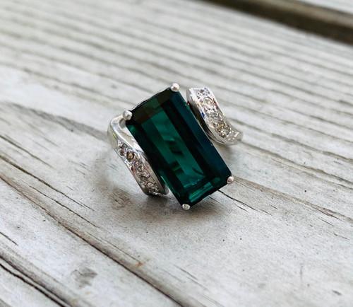 Vintage Mid Century 14k White Gold Emerald Diamond Ring Size 4.25 Small