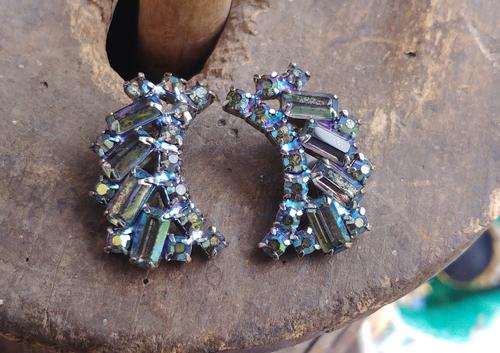 """Vintage Juliana D&E Cool Blue Green Half Moon Shape Clip Earrings 1.25"""""""