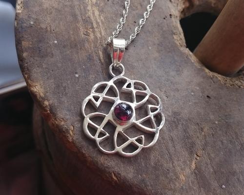 """Vintage Sterling Silver Celtic Inspired Garnet Floral Pendant Necklace 16"""""""