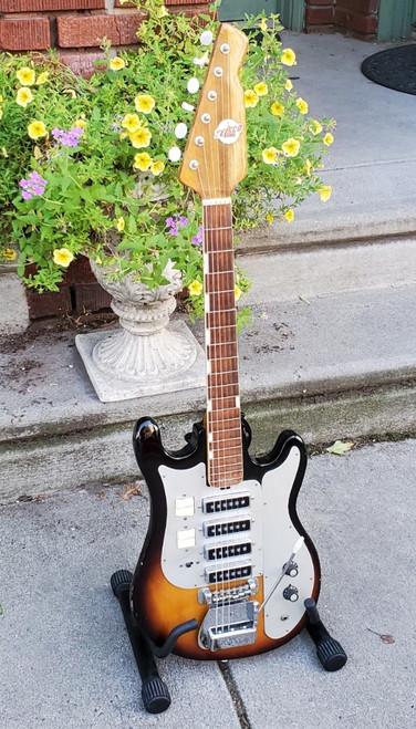 Vintage Teisco Del Rey WG-4L 1960s 2-Tone Sunburst Solid Mahogany Guitar 4 PUP