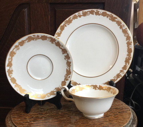 Vintage Wedgwood WHITEHALL Gold Grape 3 pc Teacup Set Plate Excellent W4001