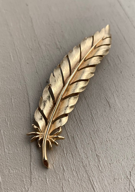 Vintage Mid Century Crown Trifari Gold Tone Feather Pin Brooch