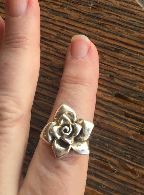 "Vintage Mid Century Sterling Silver Open Rose Flower Pretty Ring  3/4"" Wide Sz 8"