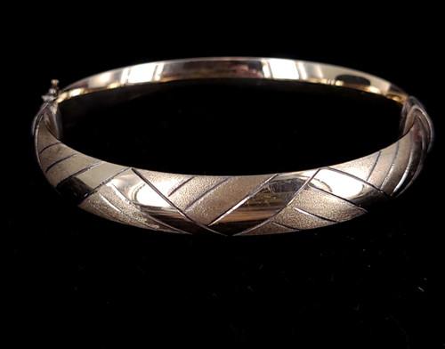 """Vintage 14k over Silver Yellow Gold Filled Etched Bangle Bracelet 7.5"""""""