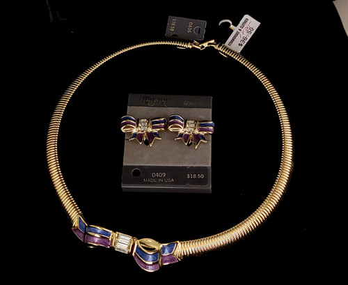 Vintage Trifari Gold Tone Blue Purple Enamel Rhinestone Bow Design Necklace Earring Set