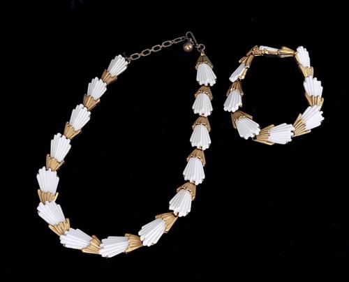 Vintage Trifari Gold Tone White Enamel Textured Design Necklace Bracelet Set