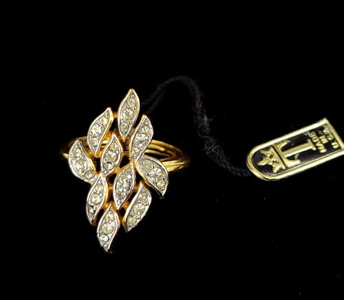 Vintage Trifari Mid Century Gold Tone Rhinestone Leaf Ring Adjustable 4.5-7.5