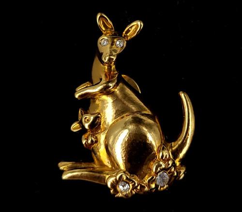 "Vintage Avon Gold Tone Paste Rhinestone Kangaroo and Baby Pin Brooch 1.5"""