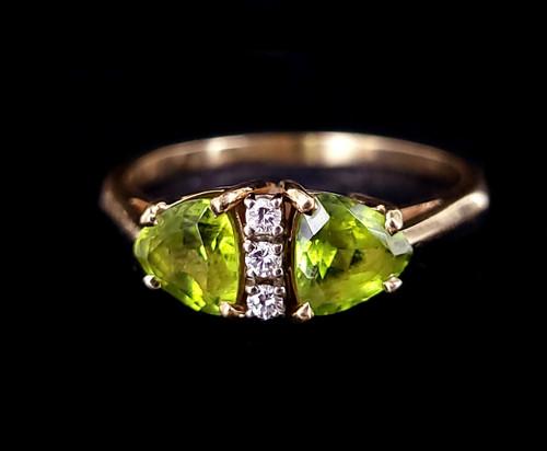 Vintage 14k Yellow Gold Peridot Trilliant Diamond Statement Ring sz 9.5
