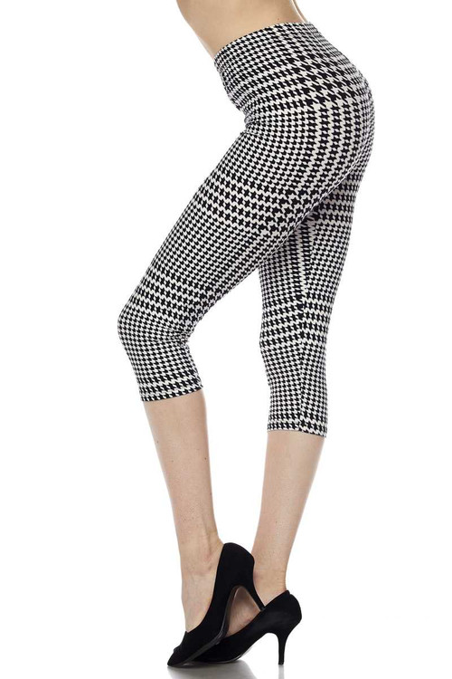Wholesale - Buttery Soft Moving Houndstooth Plus Size Capris | Women's Fashion Wholesale