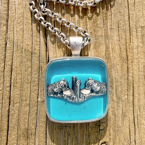 Submarine necklace by her hero