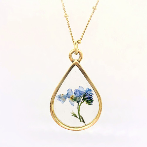 Forget me not necklace in gold